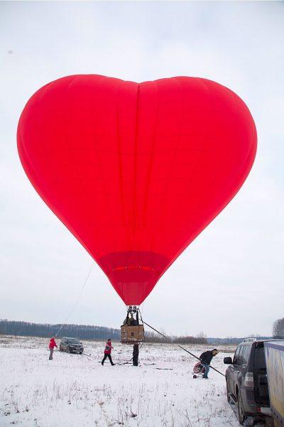 Полет на воздушном шаре в форме сердца для двоих