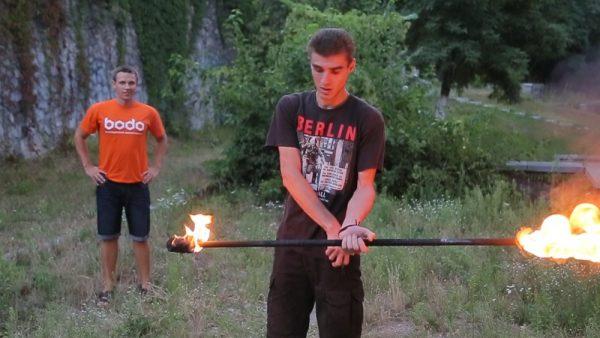 Жонглирование огнем