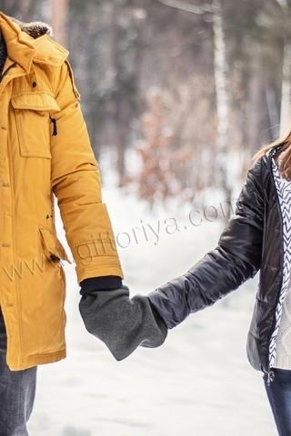 Варежки для влюбленных серые