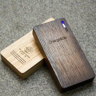 Внешняя батарея Charge and Go из дерева, темная