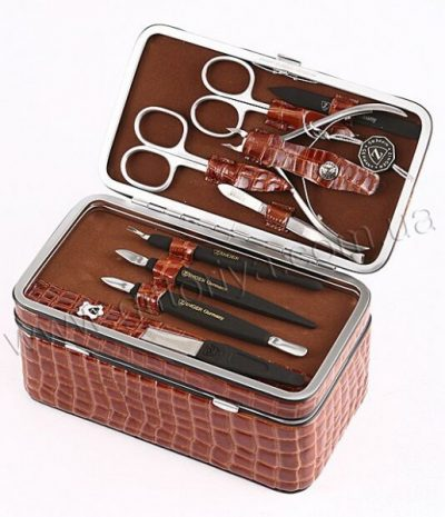 Маникюрный набор Zinger с футляром-шкатулкой.