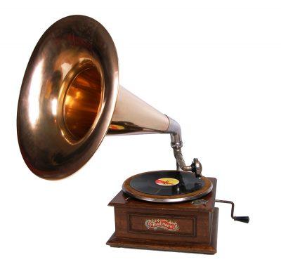 Старинный граммофон