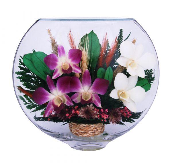Букет орхидей в стекле