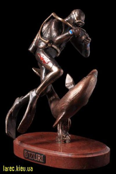 Статуэтка «Дайвер с дельфином»