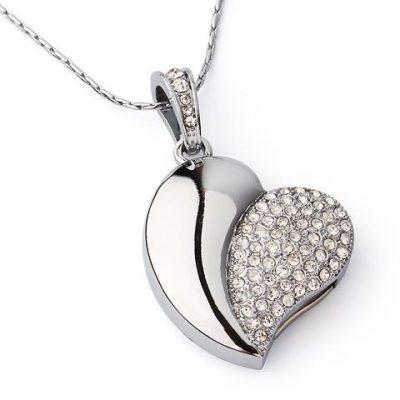 Флешка-подвеска «Влюбленное сердце»