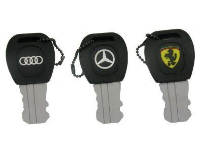 Флешка-брелок в виде ключа для автомобиля