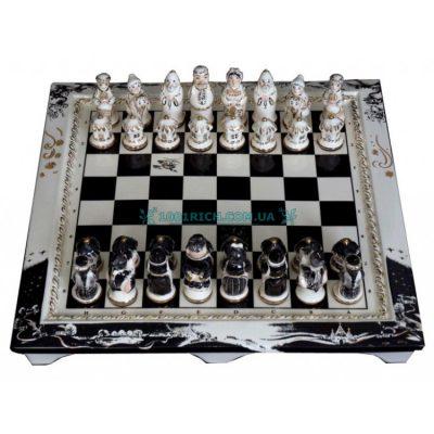 Оригинальные фарфоровые шахматы «Вечера на хуторе близ Диканьки»