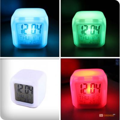 Часы «Квадратик» UFT Clock Kub с термометром