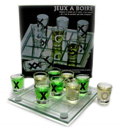 Алкогольная игра «Крестики нолики» с рюмками