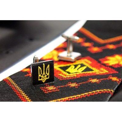 Вышитый мужской набор с платочком и запонками «Яснолык»