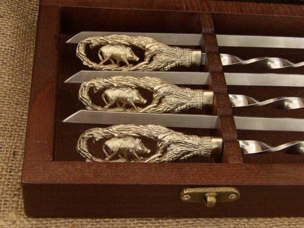 Комплект шампуров «Кабан» в кейсе из натурального дерева