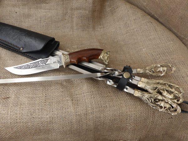 Набор шампуров «Кабан» с ножом