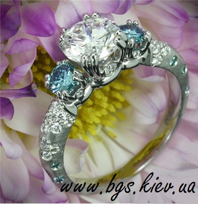 Помолвочные золотые кольца с бриллиантами и сапфирами «Сапфир»