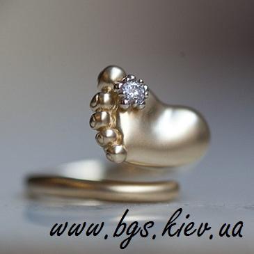 Золотое кольцо «Ножка младенца»