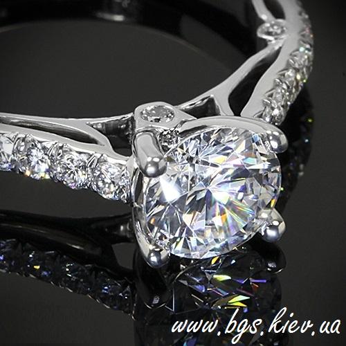 Золотое кольцо с бриллиантами «Королева»
