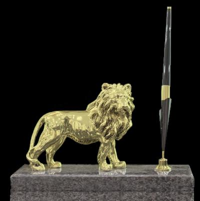 Статуэтка «Золотой Лев» на мраморной подставке