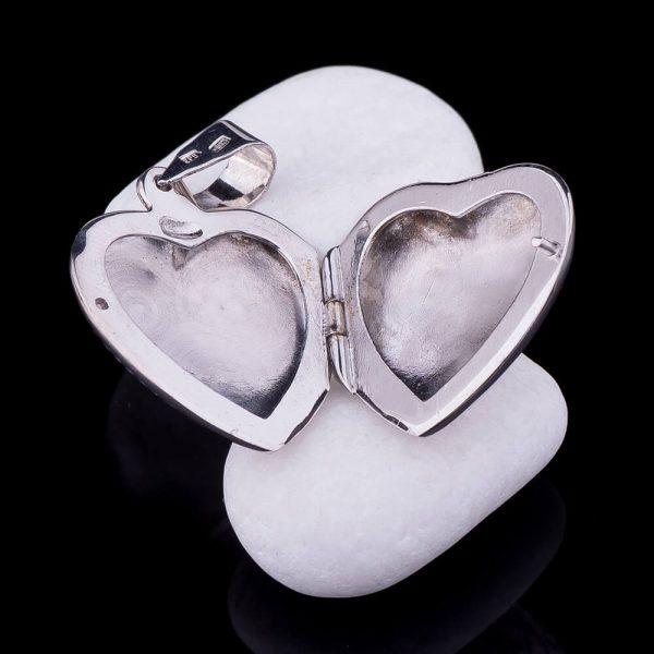 Кулон для фотографии в форме сердца