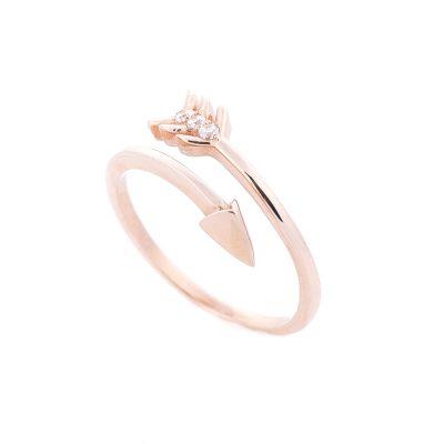 Золотое кольцо «Стрела» с фианитами