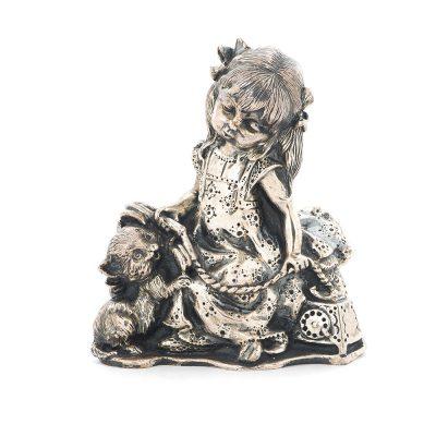 Серебряная фигура ручной работы «Девочка с котенком»