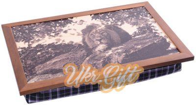 Поднос на подушке «Лев»