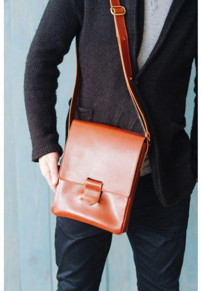 Кожаная сумка-мессенджер «Esquire» BlankNote (коньяк)