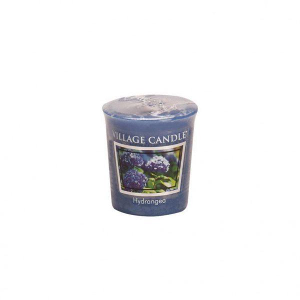 Свеча ароматическая Village Candle «Гортензия»