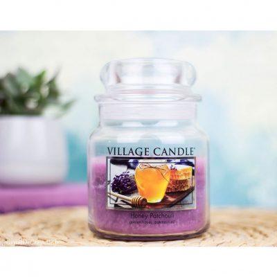 Свеча ароматическая Village Candle «Медовый пачули» (М)