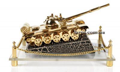 Коллекционная модель танка из латуни Т-55 (1977 г.)