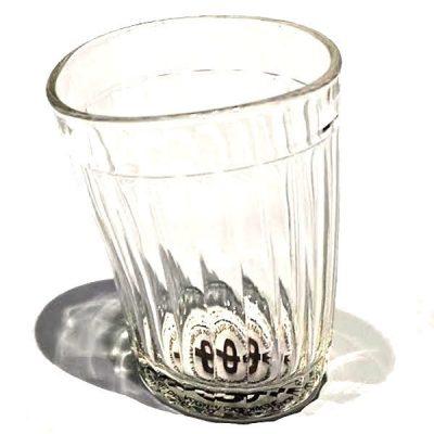«Пьяный» стакан Nisha Decor