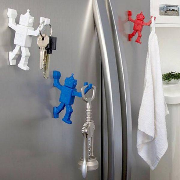 Магнитный крючок для холодильника Peleg Design «Robohook»