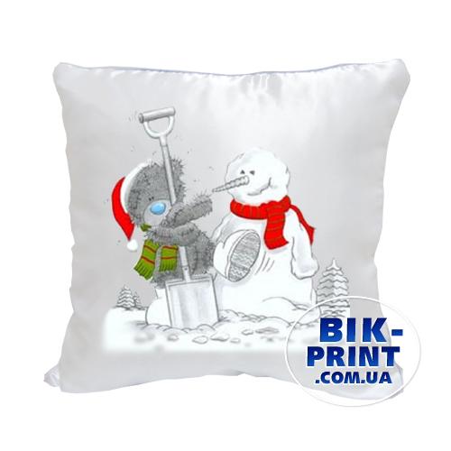 Подушка атласная «Мишка Тедди и снеговик»