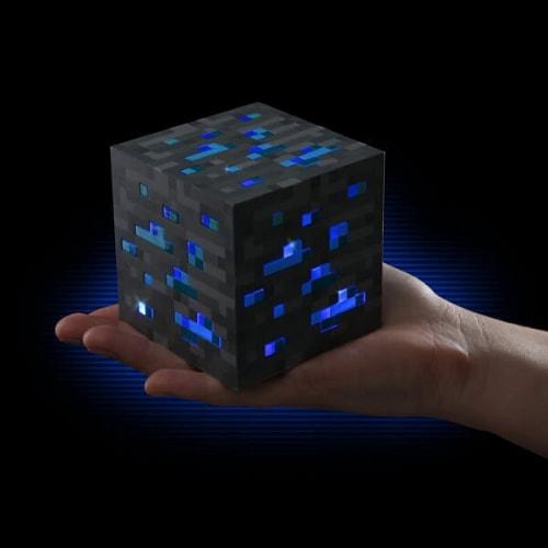 Светильник Minecraft в форме куба