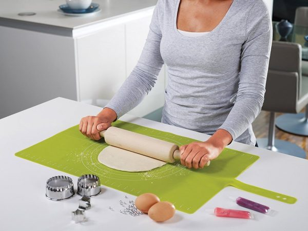 Силиконовый коврик для теста Joseph Joseph «Roll-up» (зеленый)