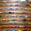 Стеллаж для игрушечных машинок «БМВ» мускат