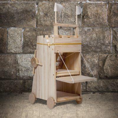 Модель средневековой многофункциональной машины «Осада башни»