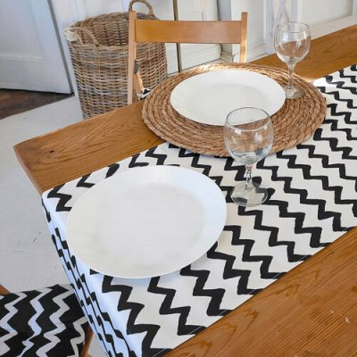 Дорожка на стол (раннер) «Зигзаг черно-белый»