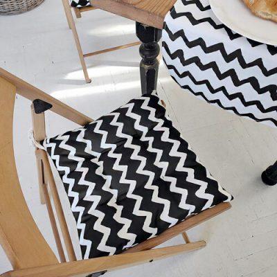 Подушка на стул с завязками «Зигзаг черно-белый »