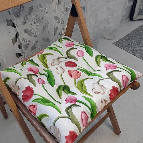 Подушка на стул с завязками «Тюльпаны»