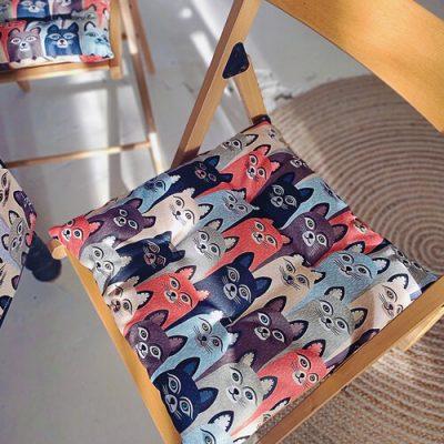 Подушка на стул с завязками «Коты»
