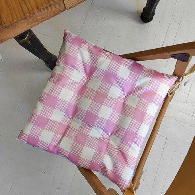 Подушка на стул с завязками «Бело-розовые квадраты»