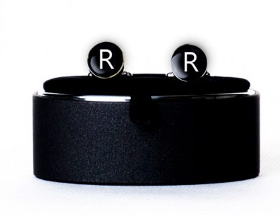 Запонки с буквой R