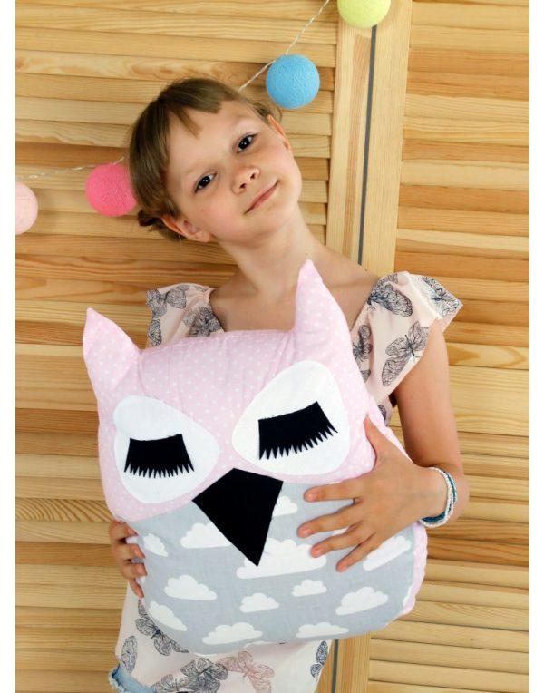Подушка Хатка «Сова» розовая с серым