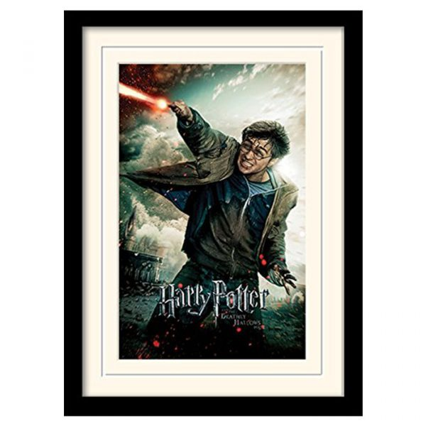 Постер в раме «Harry Potter (Deathly Hallows Part 2 - Wand)» 30 x 40 см