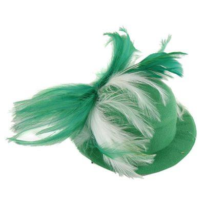 Шляпка фетровая Кокетка с перьями, зелено-белая