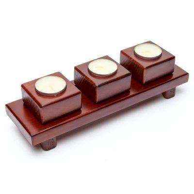 Подсвечник на три свечи квадратиками